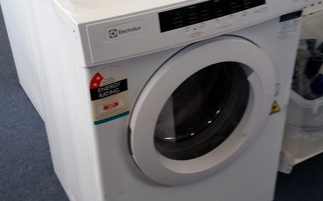 Electrolux EDV5552 Clothes Dryer – $288 – Granville
