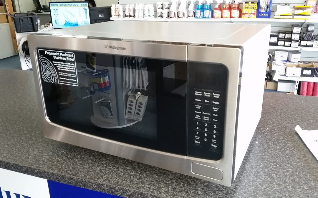 *** Sold *** Westinghouse WMF4102SA Microwave Oven. $178 – Granville