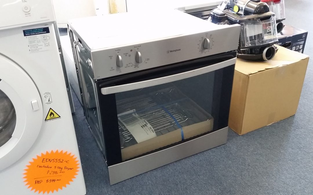 *** SOLD *** Westinghouse WVE614SA Wall Oven – $498 Granville