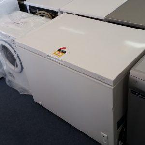 Westinghouse WCM2900WD Chest Freezer. Doug Smith Spares Granville dec18