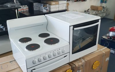Westinghouse WDE135WA-R Elevated Stove. $1388 Granville
