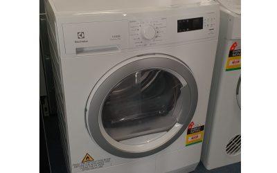 Electrolux EDC2075GDW Condenser Dryer. $638 Granville