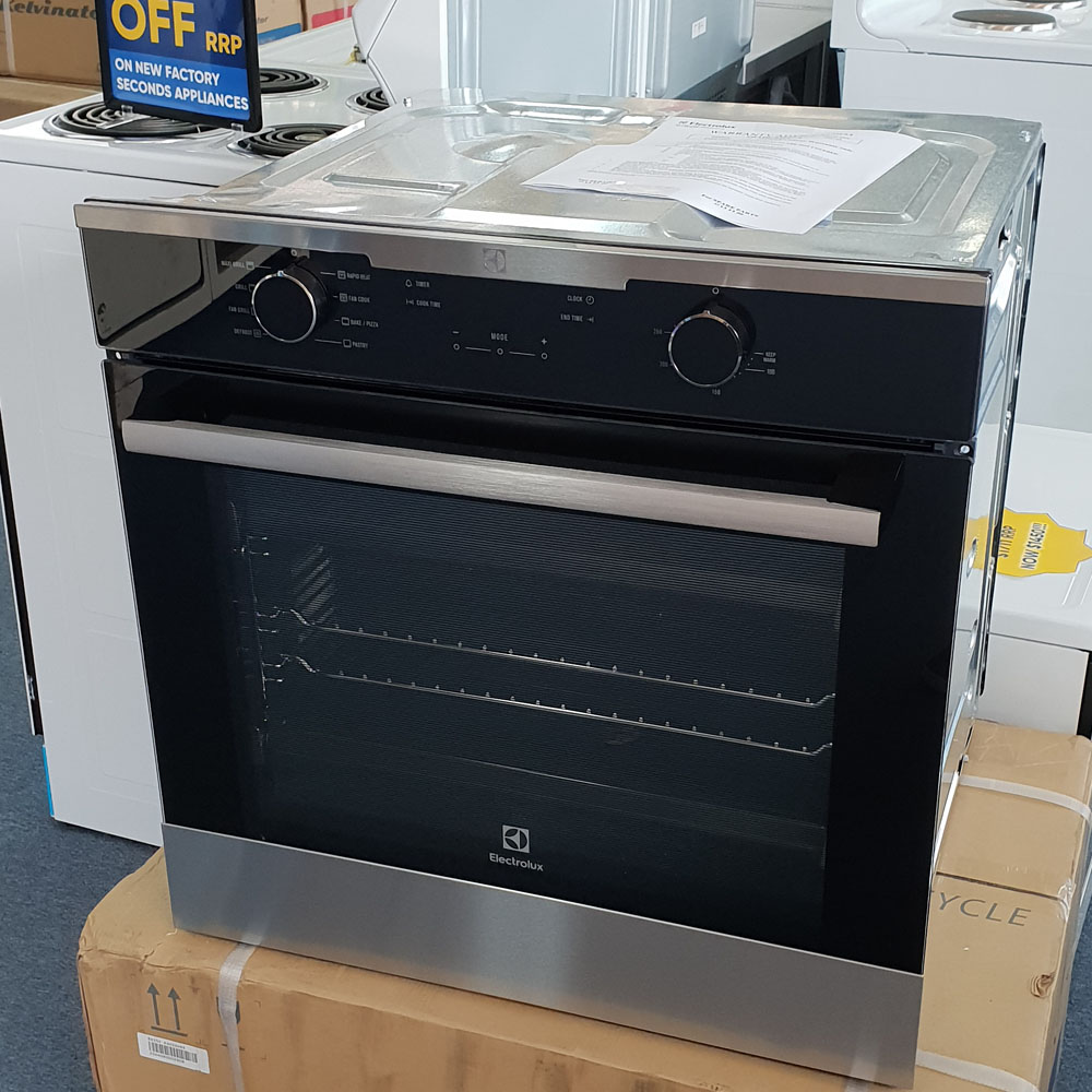 Electrolux EVE614SC Oven. Doug Smith Spares Granville Feb19