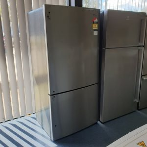 WBE5314SA-R Westinghouse Fridge