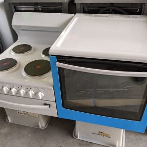 Westinghouse WDE135WA-R Elevated Stove. Doug Smith Spares Gold Coast Feb20
